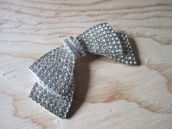 vintage 40's sparkly silver bow brooch
