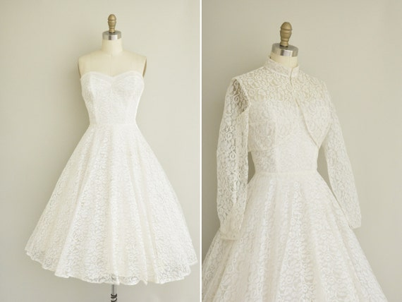 vintage 1950s wedding dress / 50s shrug and strapless dress / 50s tea length white lace dress