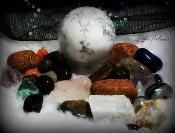 Reiki Stone and Mineral Crystal Collection With Crystal Velvet Keepsake Bag