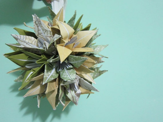 CHOOSE Green or Blue Origami Kissing Ball