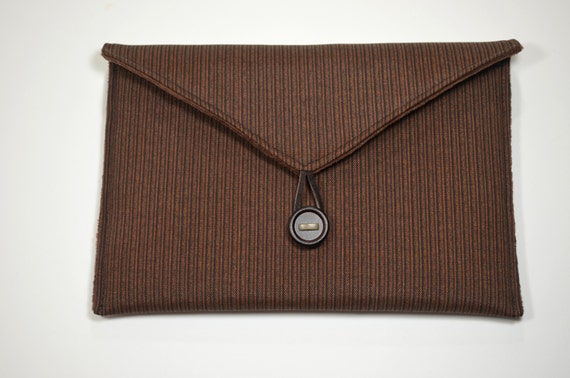 Handmade E-Reader Cover in Etsy, Nook Case, Padded Kindle Cover Made of a Brown Outdoor Fabric, Velour Lining, Button and Loop Closure