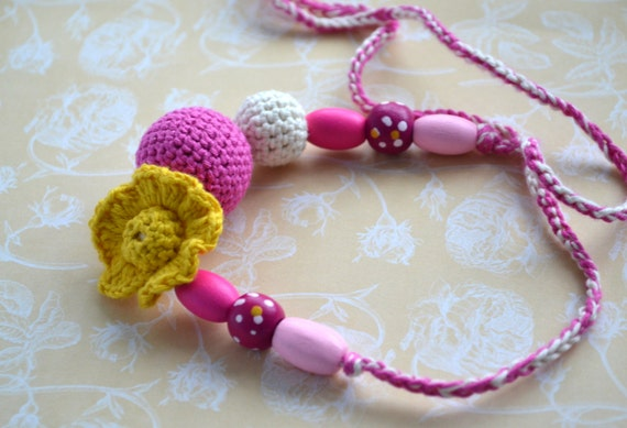 Mom Flower Nursing  Necklace / Teething Necklace - Teething Jewelry - Hot Pink & Yellow - Kids Jewelry