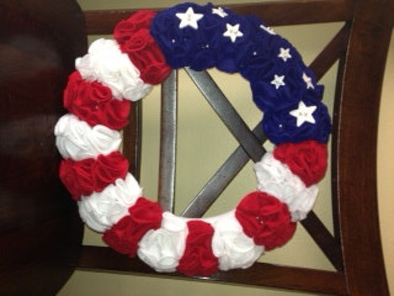 Patriotic Spring Wreath - Yarn Wrapped Wreath - Handmade Felt Flower Wreath - Spring Decor