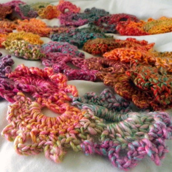 Life of a College Blogger: Free Crochet Pattern- Queen Anne\'s Lace Scarf