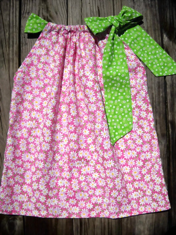 Pink Pillow Case Dress with  White Daisies and Green Bow -  Childrens Clothing - Daisy Girls Dress - Daisy and Grenn Bow Dress