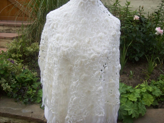 70's Vintage Hand crocheted Fringed Shawl - Off White/Cream - Brushed Acrylic.