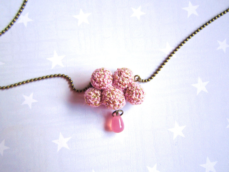 Ожерелье розовых облаков и капли.  Вязание крючком облака.  Розовый Святого Валентина подарок