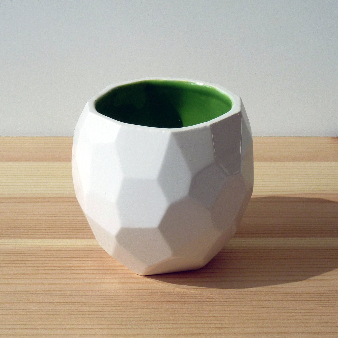 Modern ceramic cup handmade in polygons - Poligon Cup - polygon faceted medium mug - Green - studioLORIER