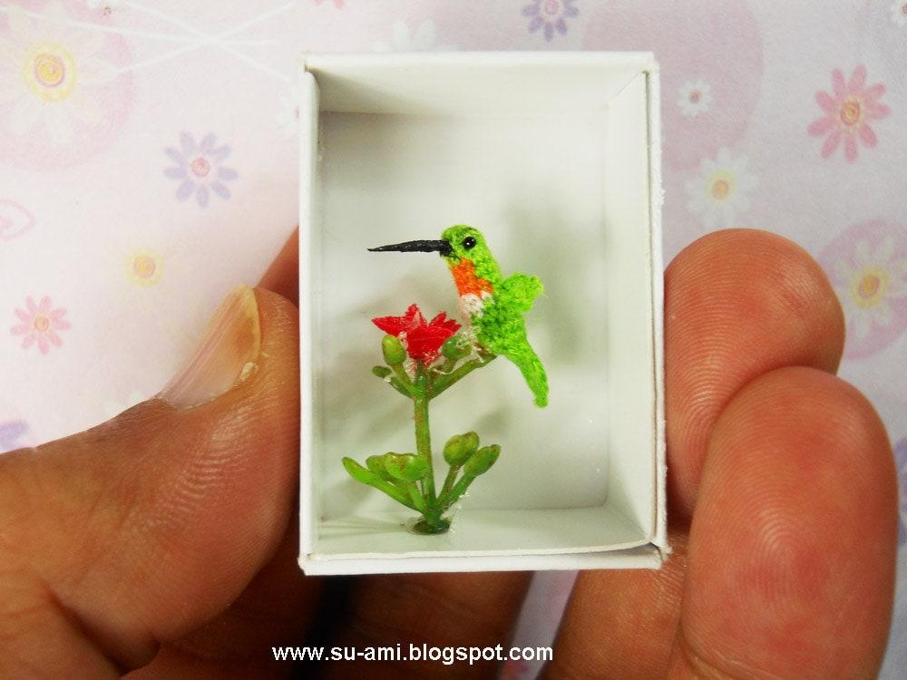 Tiny Miniature Hummingbird - Micro Crochet Birds - Hummmingbird in Green Red