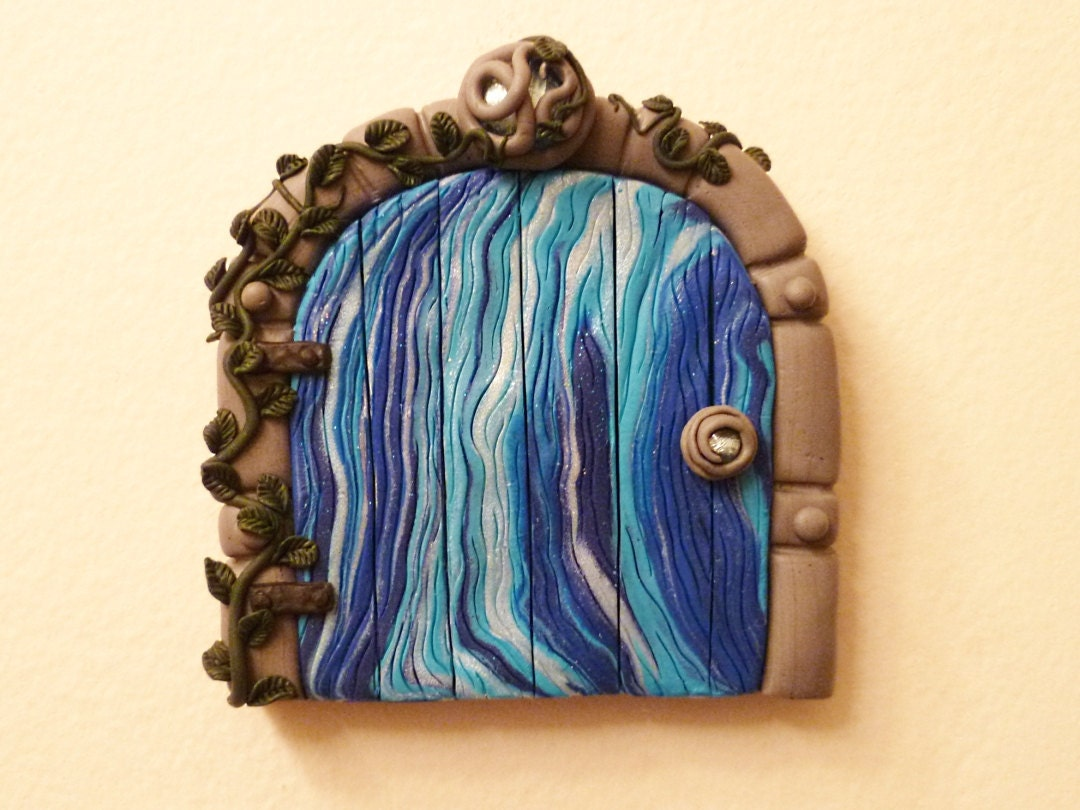 Berry Blues Fairy Door - FlyingFrogCreations