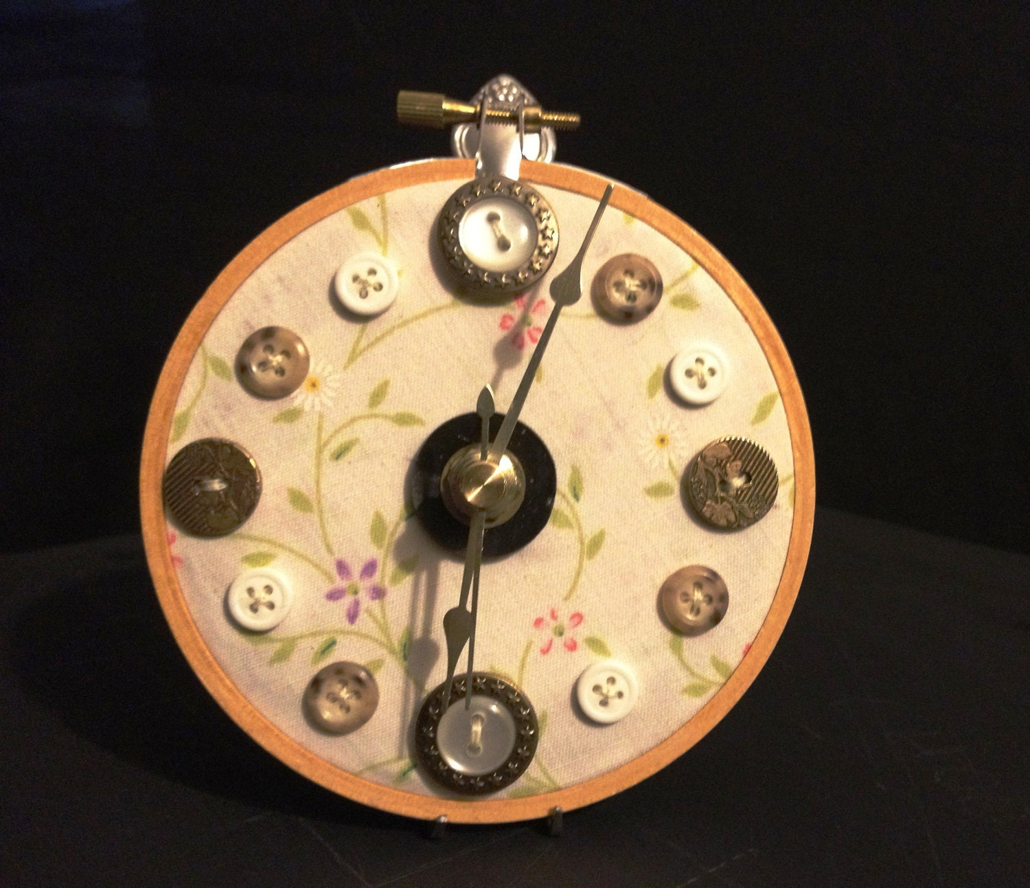 Craft a little for me embroidery hoop button clock