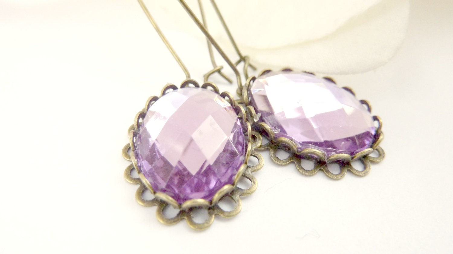 Vintage inspired earrings amethyst pale purple rhinestone brass - Dewdropsdreams