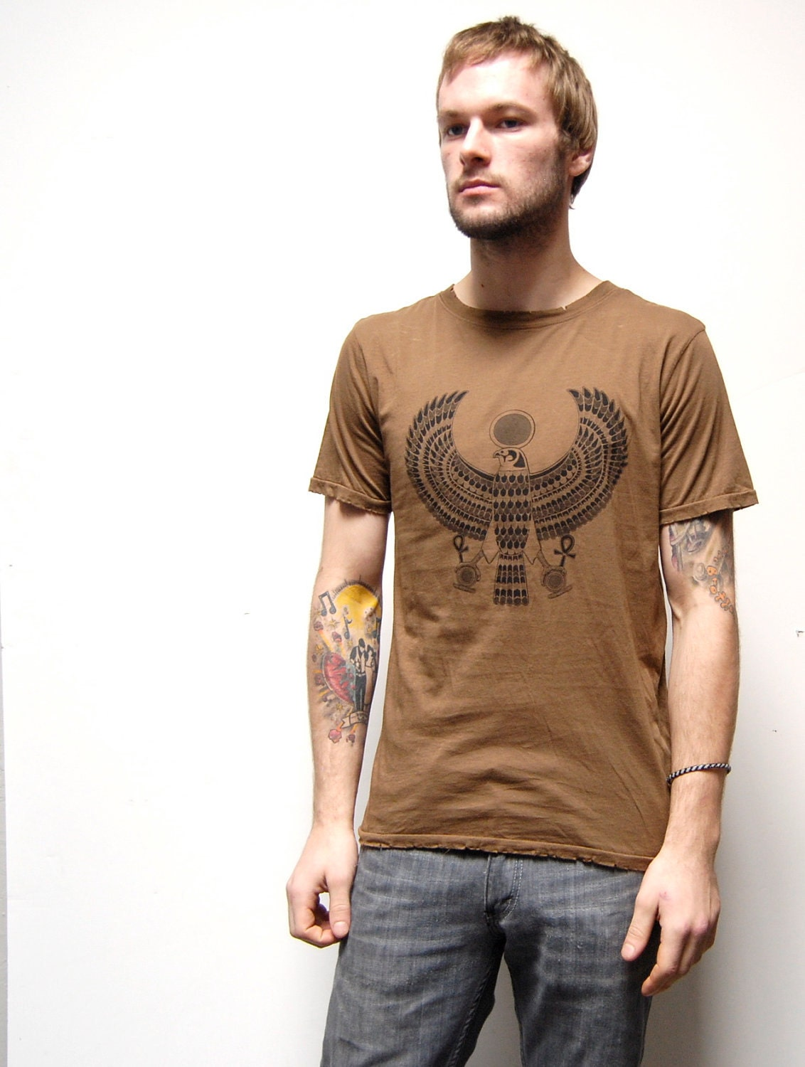 EGYPTIAN BIRD god horus brown tee SILKSCREENED large