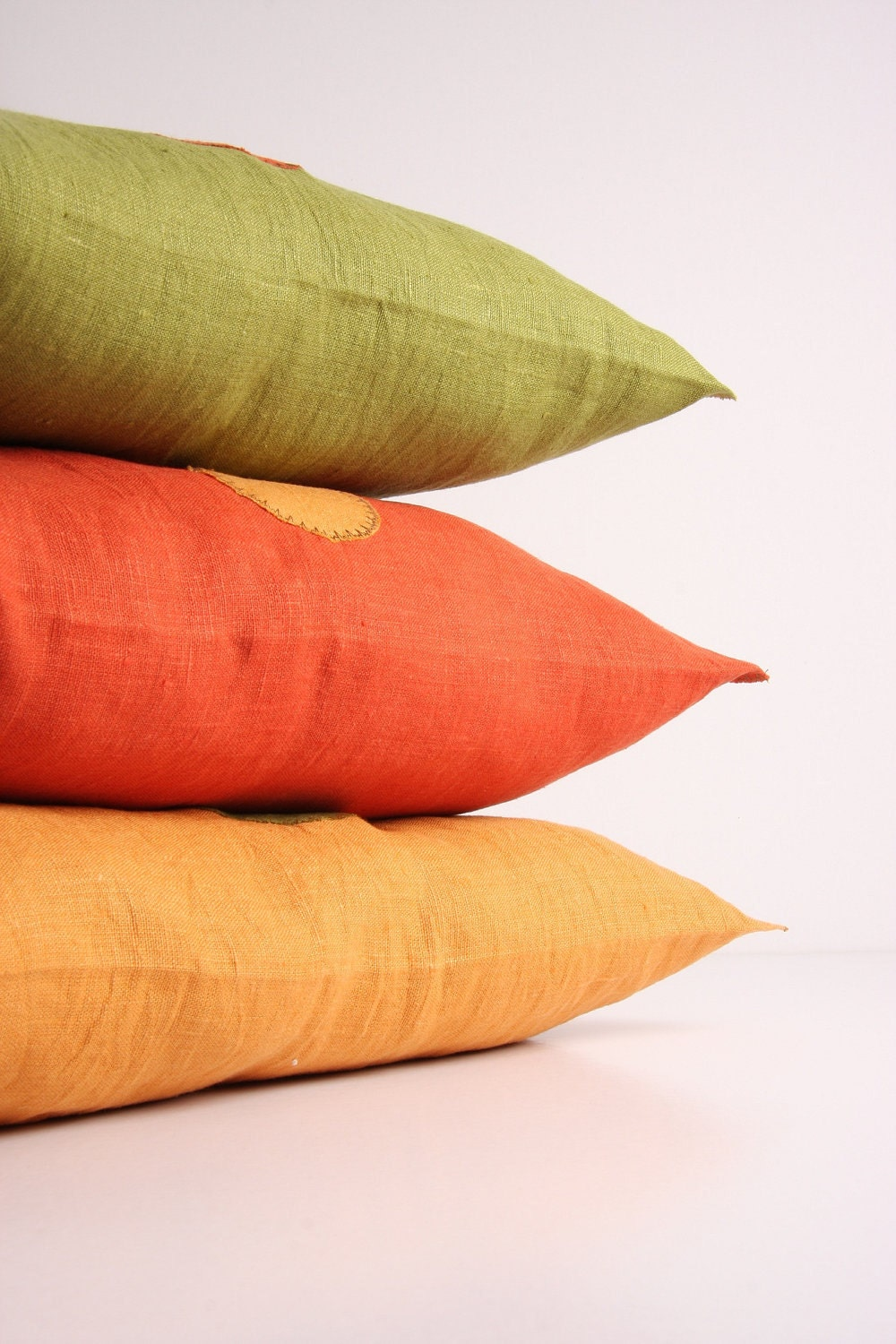 "colored linen pillow 20 x 20""  (lilac, aubergine, wine red, mustard, pistacio, burnt orange) with application, without inlet - maalikaa"