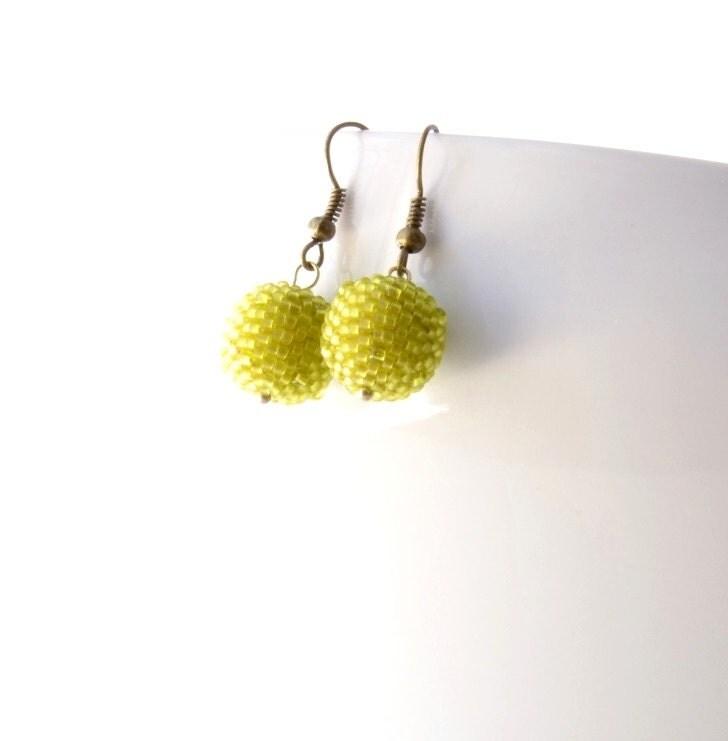 Green Apple Beaded Earrings, Beaded Bead Earrings, Chartreuse Earrings, Seed Bead Earrings, Green Glass Earrings - JPJbeaded