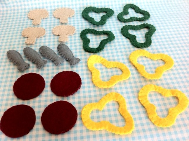 Pretend Play Food Felt Pizza Slices and Toppings with Box