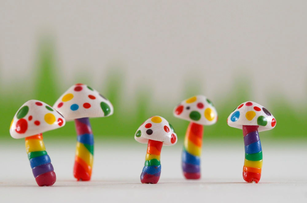 Set of five RAINBOW toadstools for terrariums, plants or cake toppers - ratbeankat
