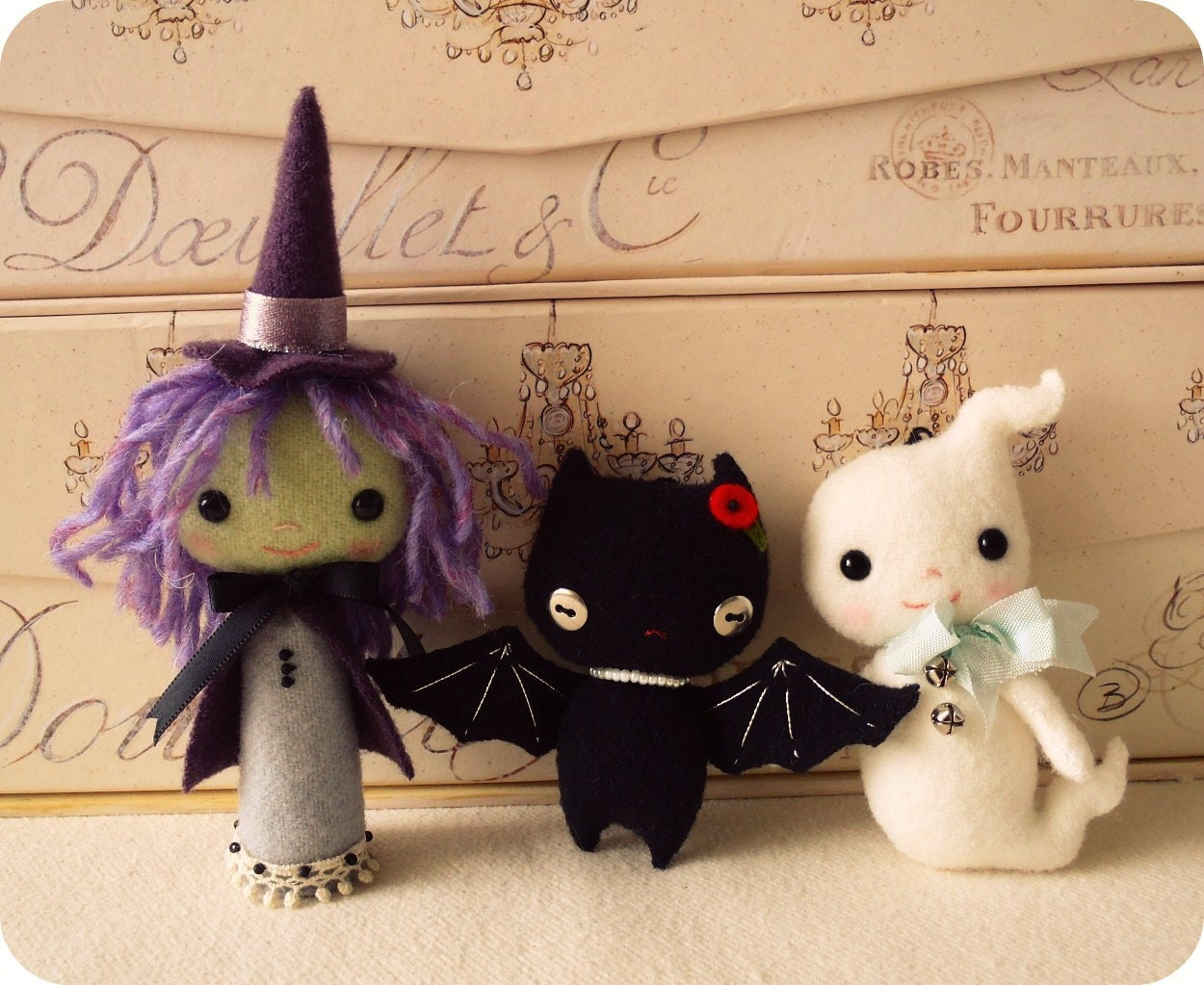 Halloween Felt Pattern for a cute witch, black bat, and cute ghost. These are a pdf instant download after purchase and easy to make.