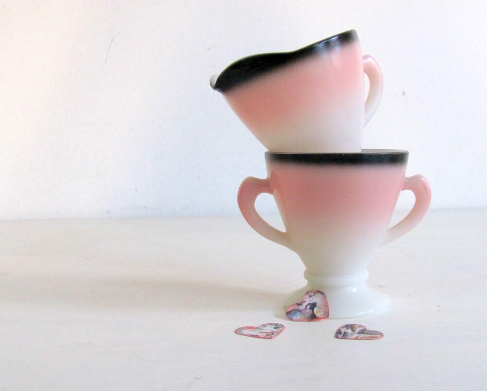 Hazel Atlas Sugar Creamer Ovide Pink Black dreamt