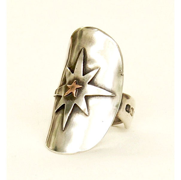 Statement Eco Knuckle ring - Star Light Sterling Silver Crested hallmark Spoon Ring - circa 1894 Silver Ring - Crested Starlight design - helendesign