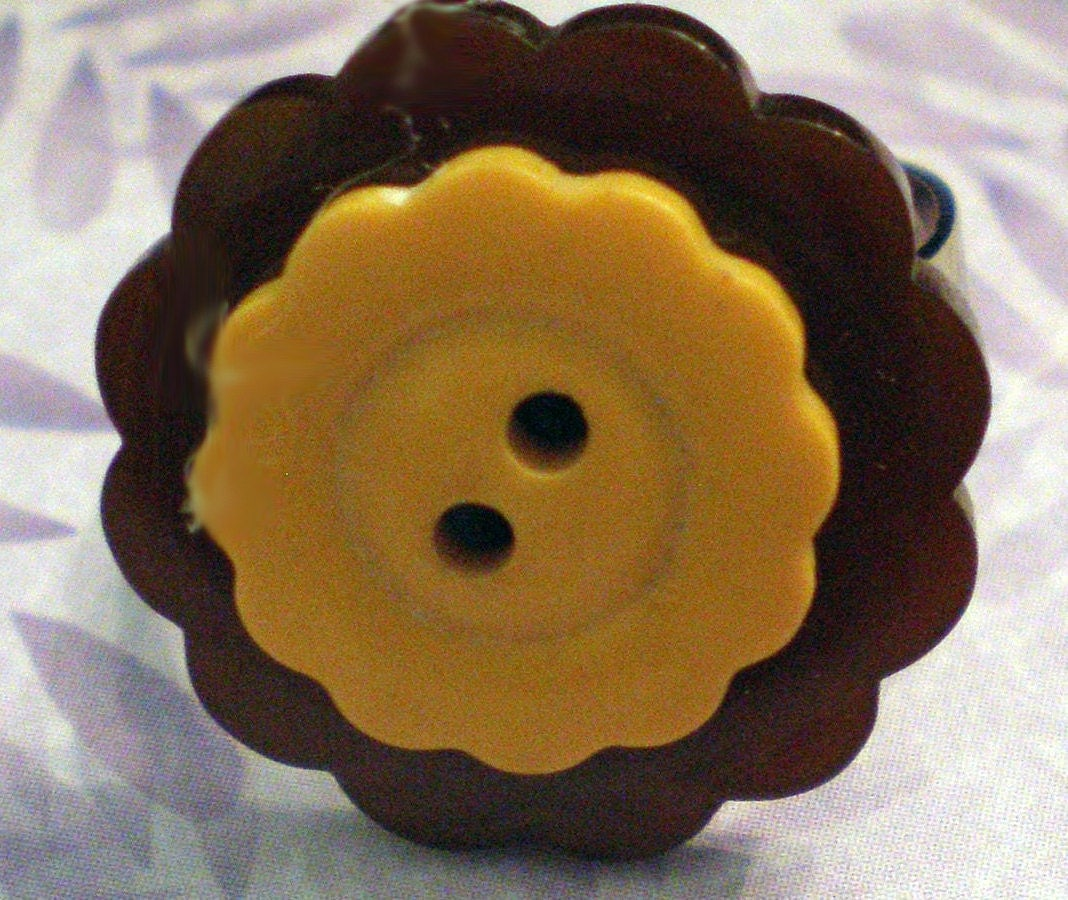 Vintage Stacked Bakelite Button Ring in Yellow and Brown