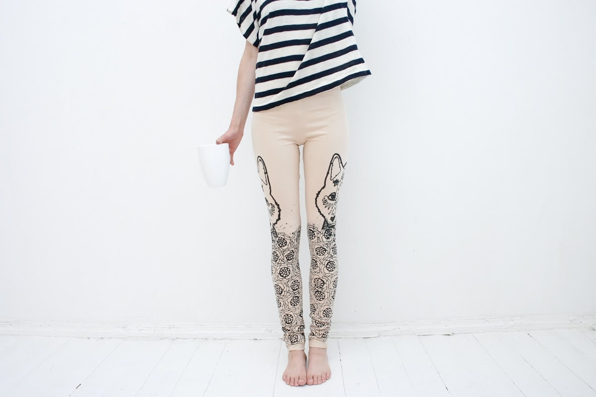 Meadow wolf- beige leggings with black graphic print - ZIBtextile