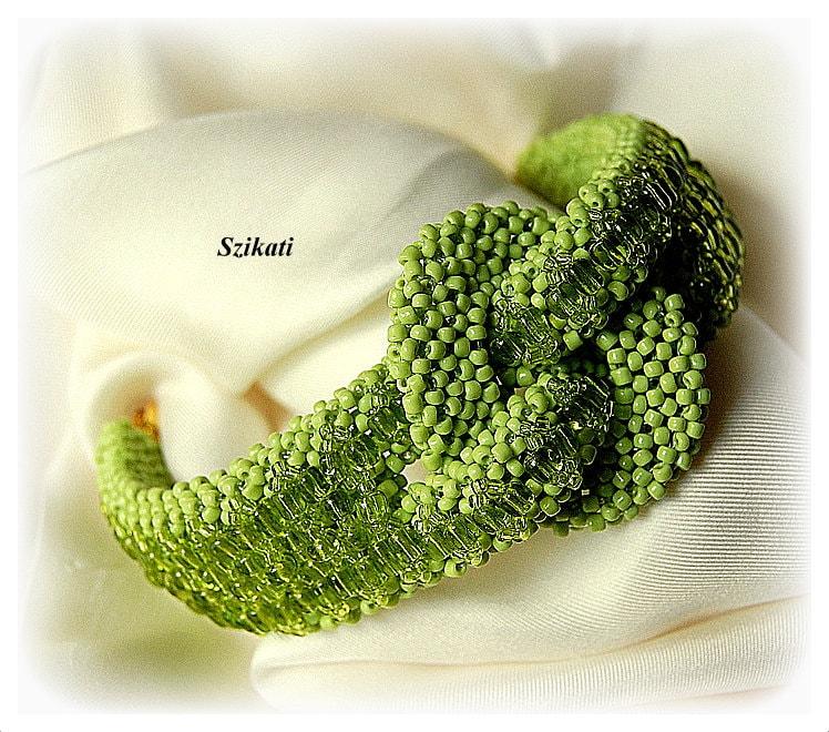 Beaded green bracelet, unique fall fashion, fall color, OOAK