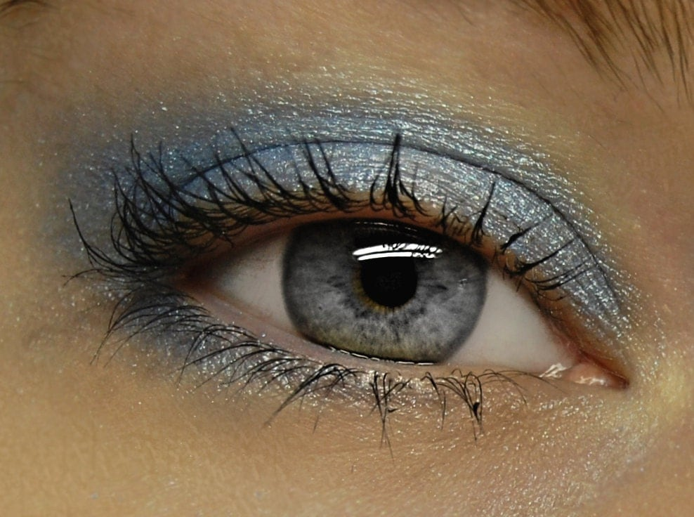 Pale Blue Eyeshadow - GLACIAL Mineral Eye Shadow - Icy Blue Sparkly Mineral Eyeshadow / Eyeliner - Large 10 gram Jar