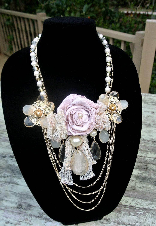 Роза заявление ожерелья, цепочки нагрудник ожерелье, коттедж шикарный, викторианский, кружева, страна шик, стиль винтаж выросли ожерелье