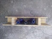 Madera rústica paleta 3 botellas de vino titular, amarillo canario