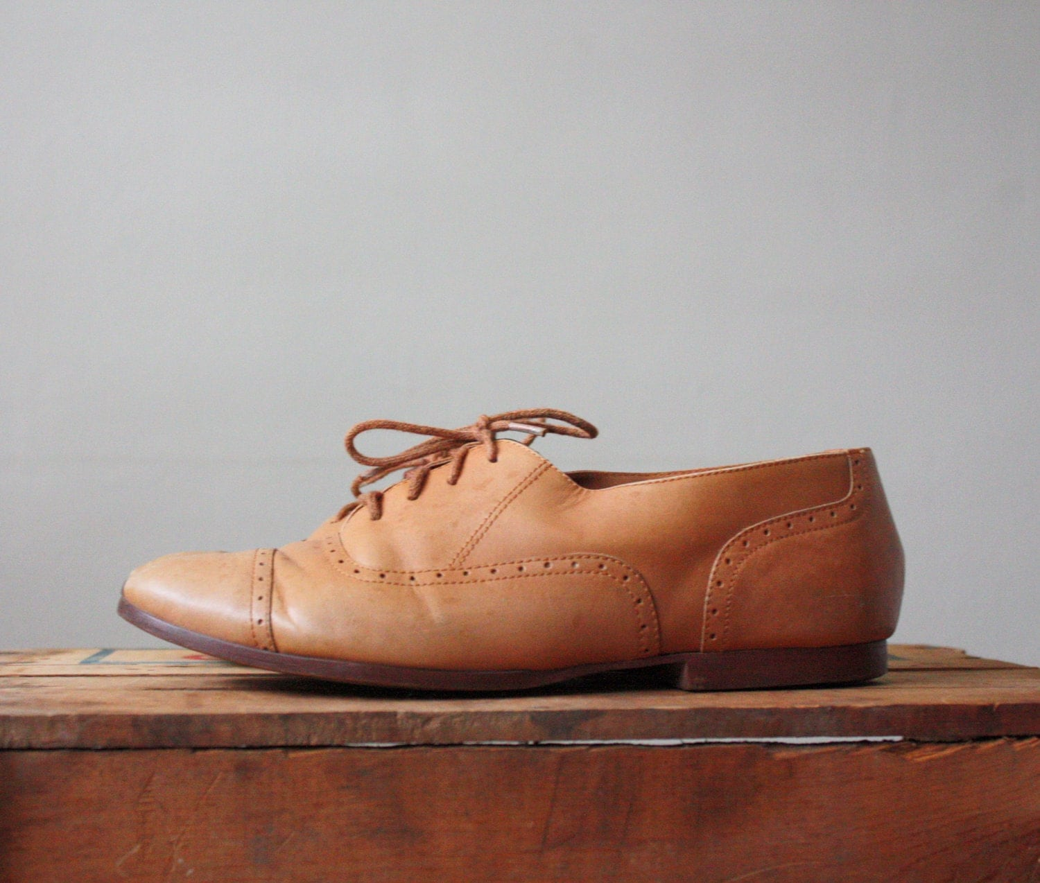 vintage 1970's leather oxfords - size 8 1/2