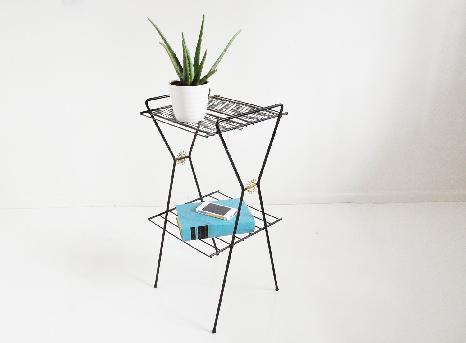 Atomic Black Wire Record Stand - Mid-Century Plant Stand / Magazine Rack - thewhitepepper