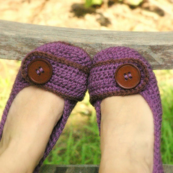 Womens House Slipper Crochet Pattern for Violet adult house slipper