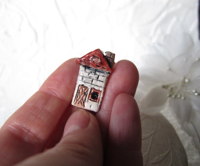 The little Red House  Miniature Focal bead