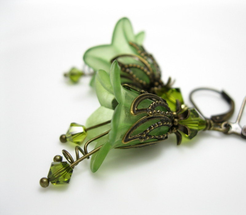 Spring, Green, Lucite Flower Earrings, Vintage Style, Swarovski, Antiqued Brass