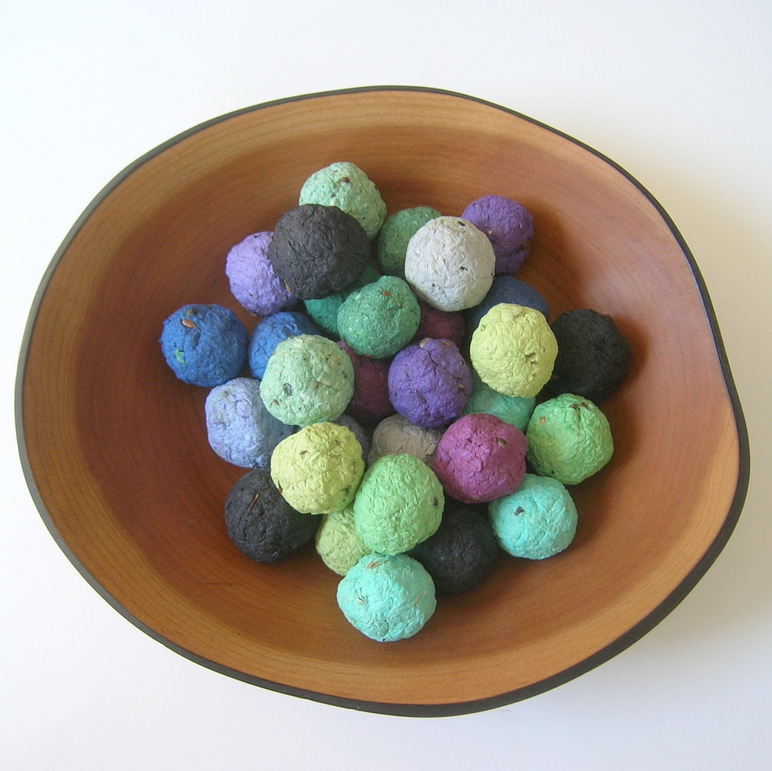 Seed Bombs - Plantable paper balls of handmade paper in cool colors with wildflower seeds - Ecofriendly wedding favor - Garden wedding