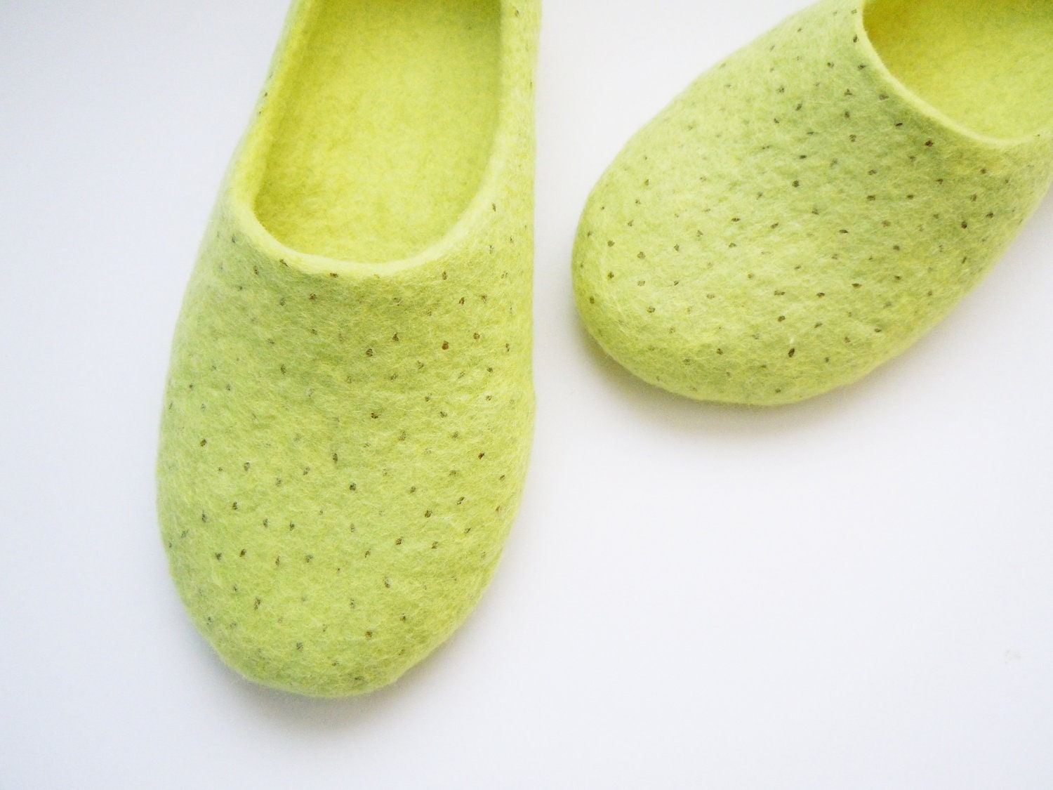 Felted summer colour slippers. KIWI - SimplicityOfFelt