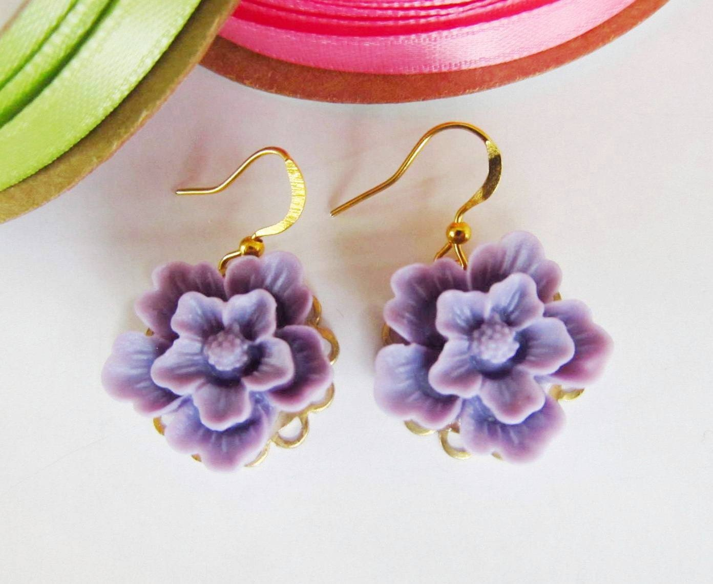 Lavender flower earrings, Simple and Romantic Earrings, lavender, gold plated wire hook, great gift for holiday