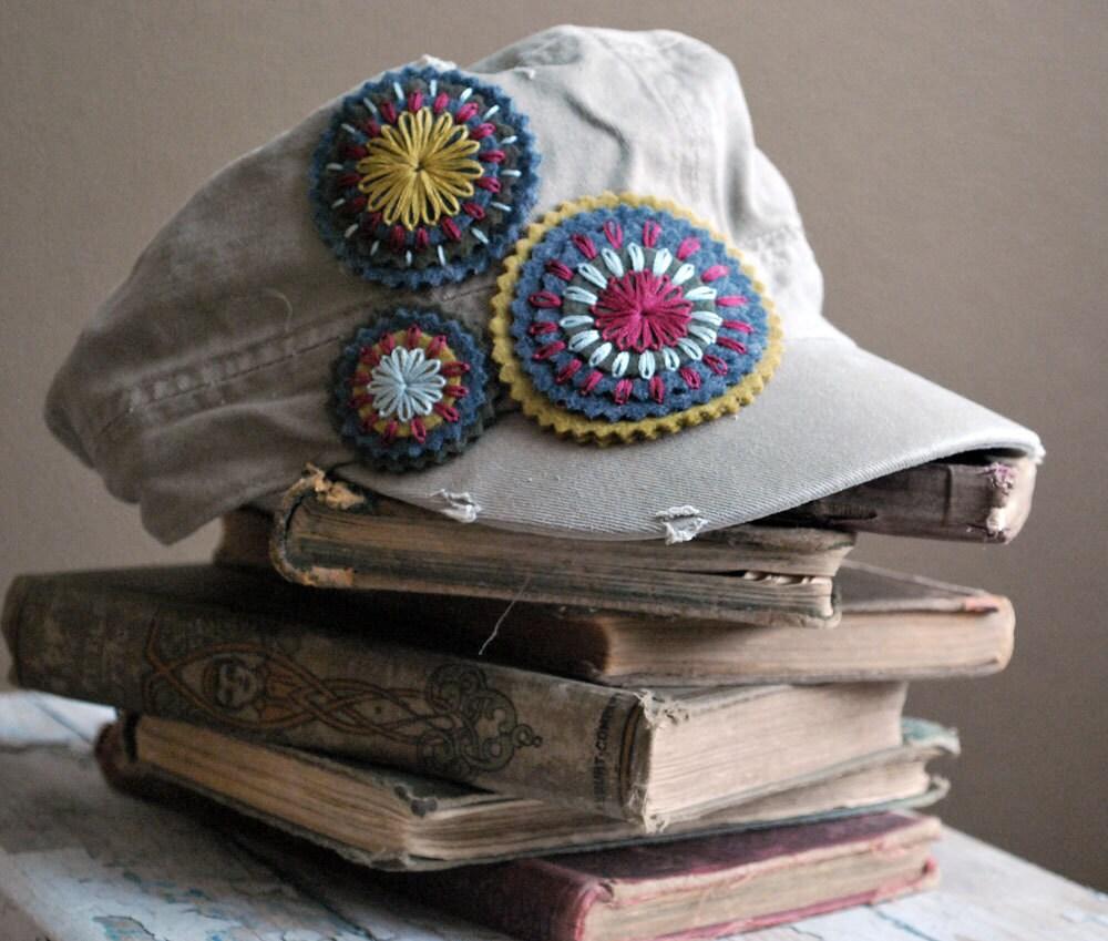 Проблемные Военно Hat Хлопок Стиль войлока ручной вышивкой Украшательства любовью Мод