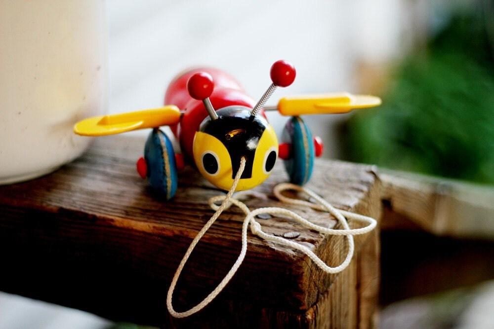 Vintage Buzzy Bee Pull Toy - jillscripps