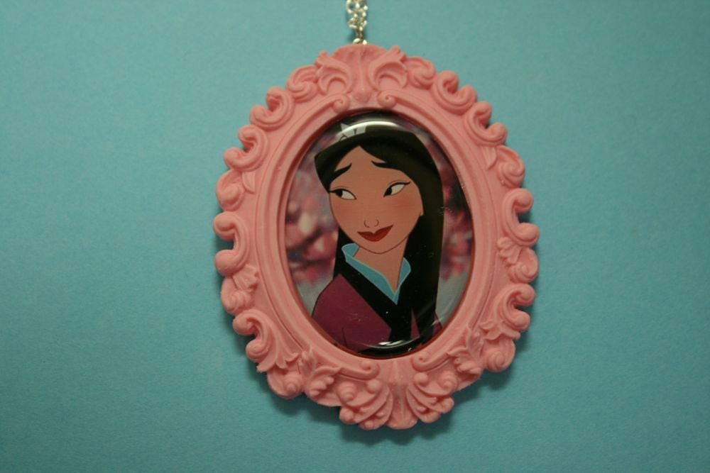 Mulan Cameo Necklace