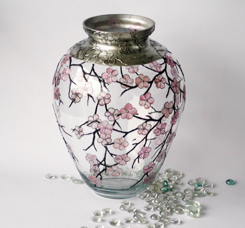 Ручная роспись стеклянной вазе