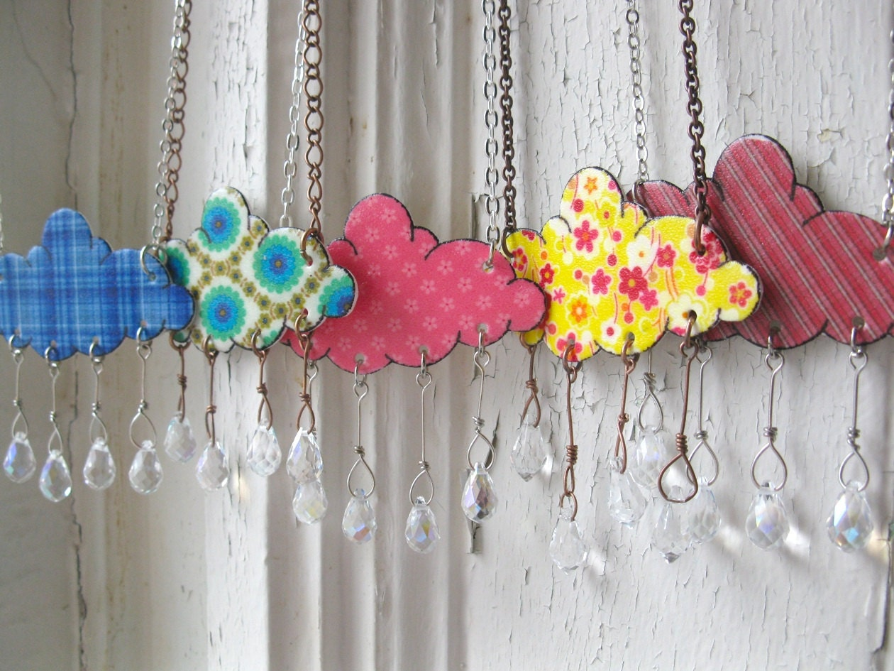 Spring Cloud Necklace on UpcycleFever