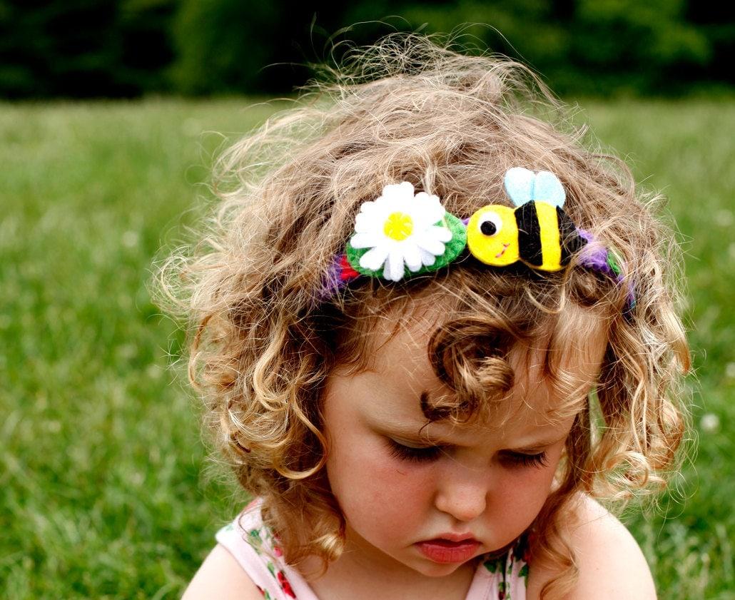 Girls Hair clip, White Felt Flower on leaf - BrooklynOwl
