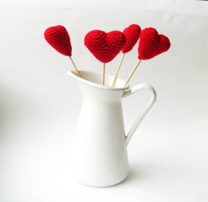 Crocheted Red hearts set of 4 wedding favor From sabahnur
