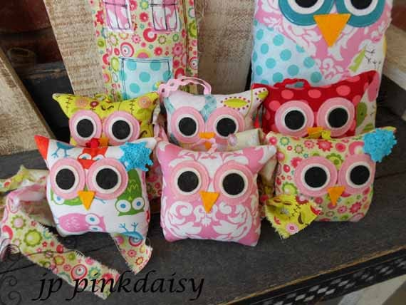 Owl baby room decorations photograph baby shower owl bir for Baby owl decoration
