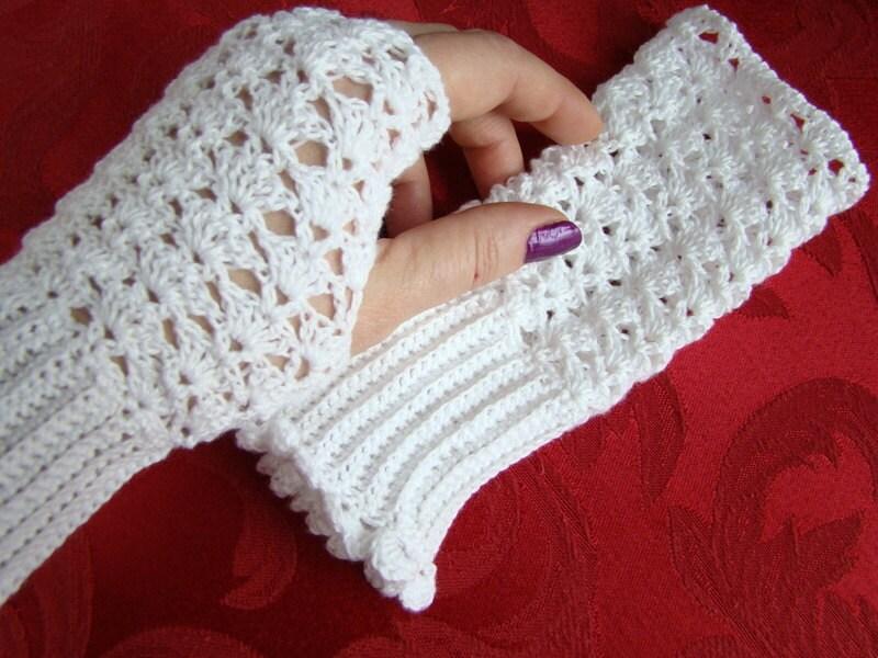White crocheted cotton lace fingerless gloves - BearMtnCrochet