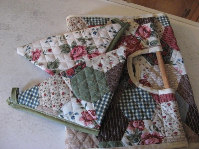 Casserole Carrier Rectangle Quilted Double Sided by chickenhearts