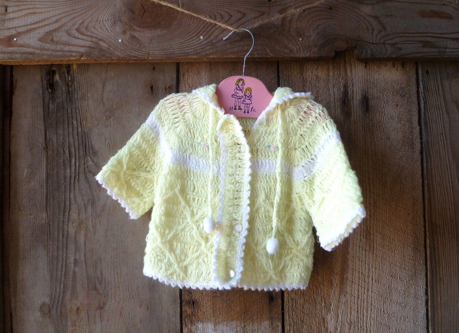 baby sweater, cardigan // vintage 70s yellow & white baby cardigan // size 6-12 months - farmhousevoguekids