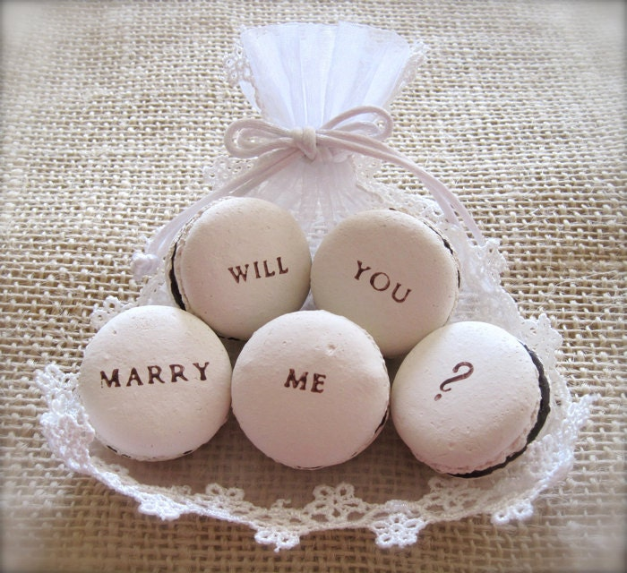 Will You Marry Me - Ceramic Macaron Fragrance Object